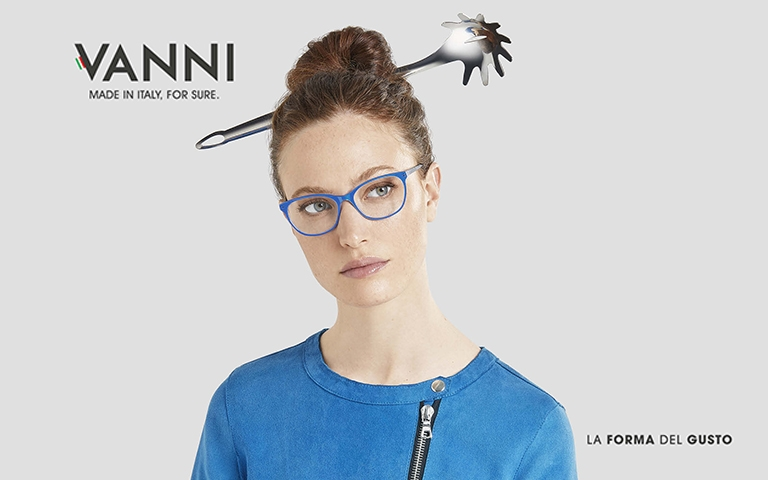 VANNI's Accent Collection adds an accent of colour to its ultra-thin acetate frames making them unique and very feminine