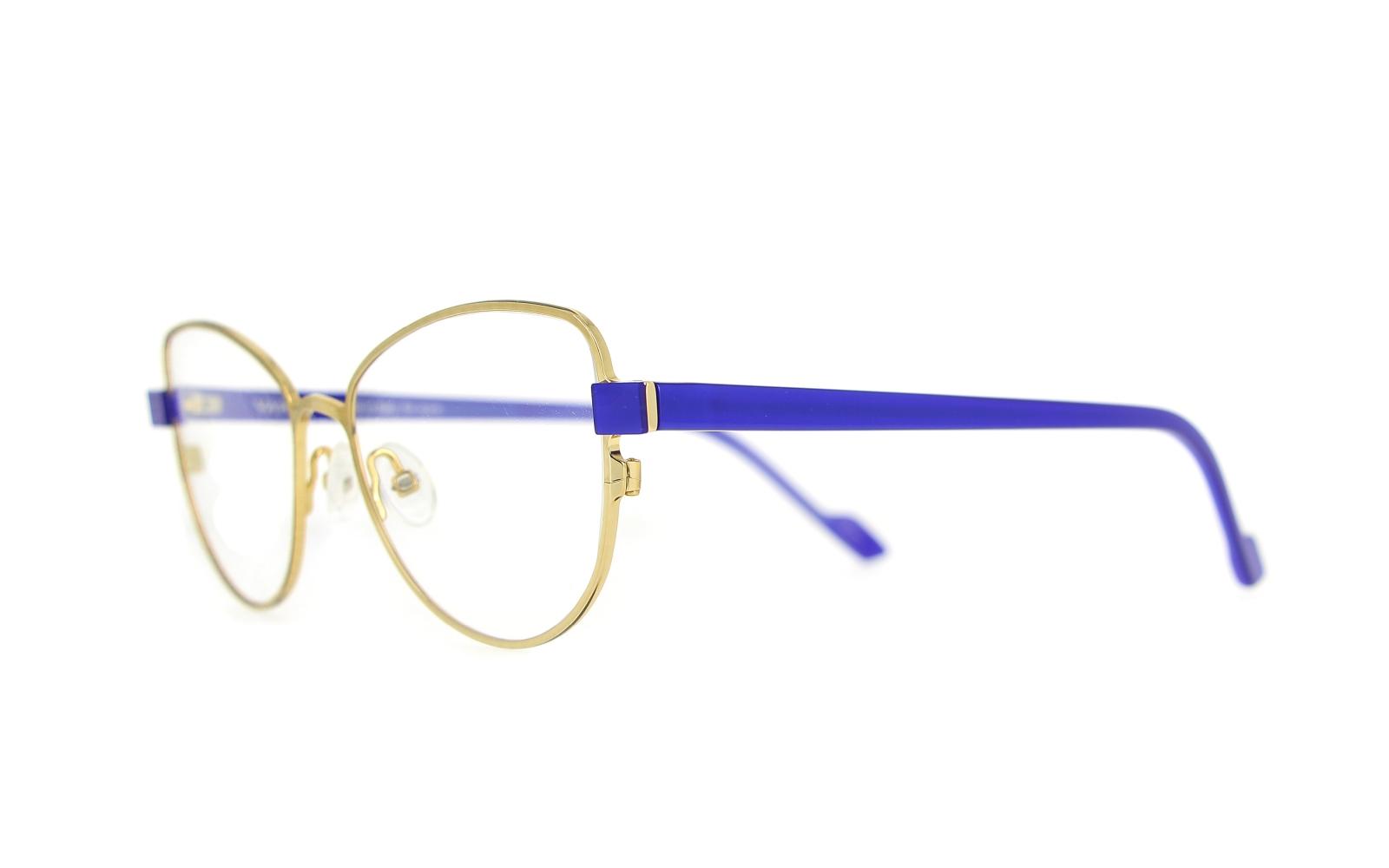 Anni 70 Colori quest'anno il colore della moda è il classic blue